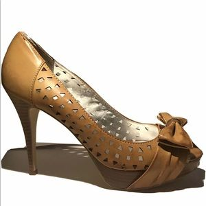 Guess Brown Bow Heel Pump Shoes